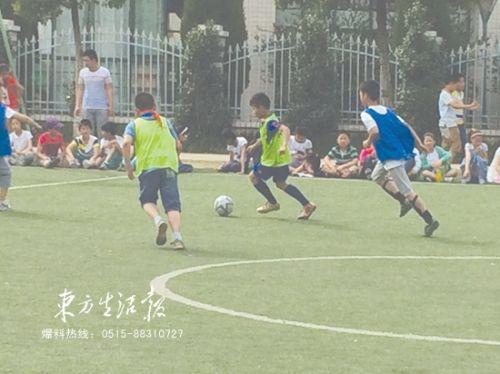 全国校园足球冠军杯连续两年蝉联一等奖,江苏省少儿足球锦标赛第二名